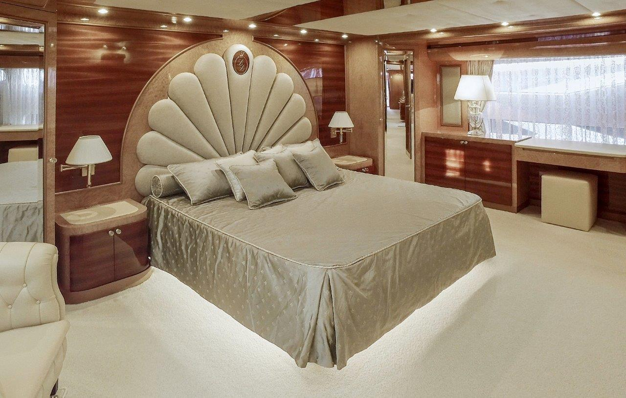 Amer Yachts 110 - Onwer's Stateroom