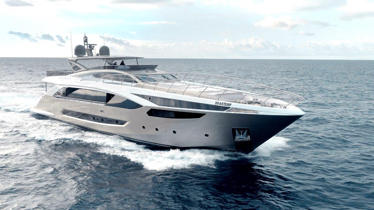 Amer Yacht 110 - Bow