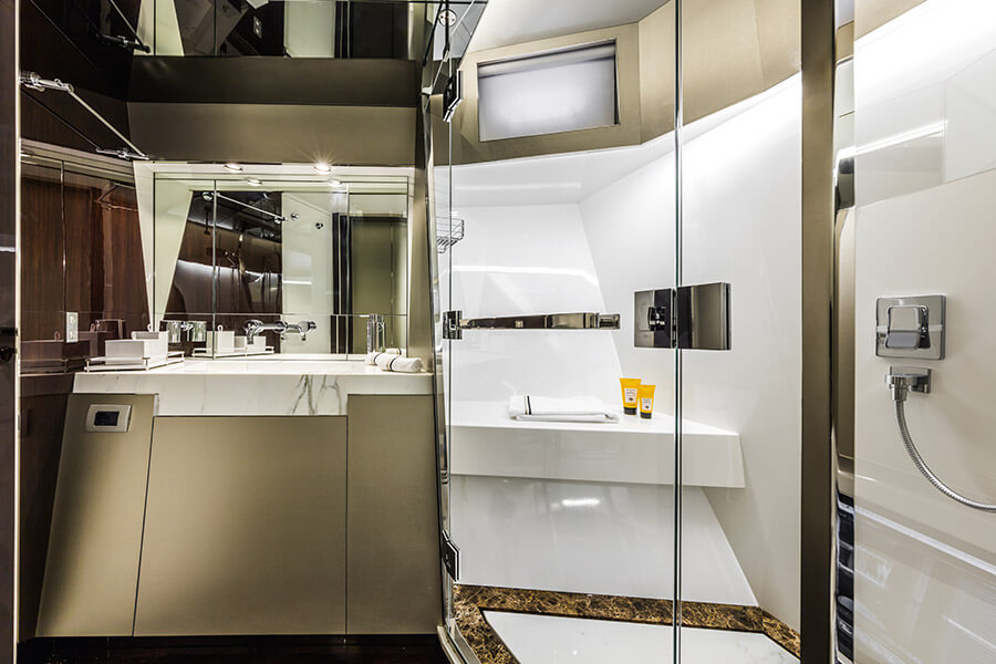 ARCADIA-SHERPA Panta Rei III - Interior - Master Bed Toilet