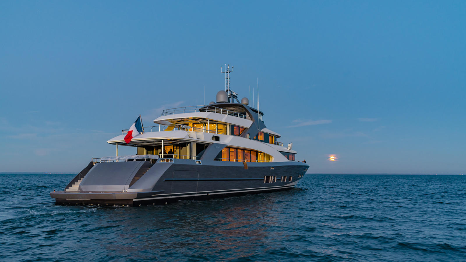 Couach Delivered the First 4400 Fast Fly Superyacht