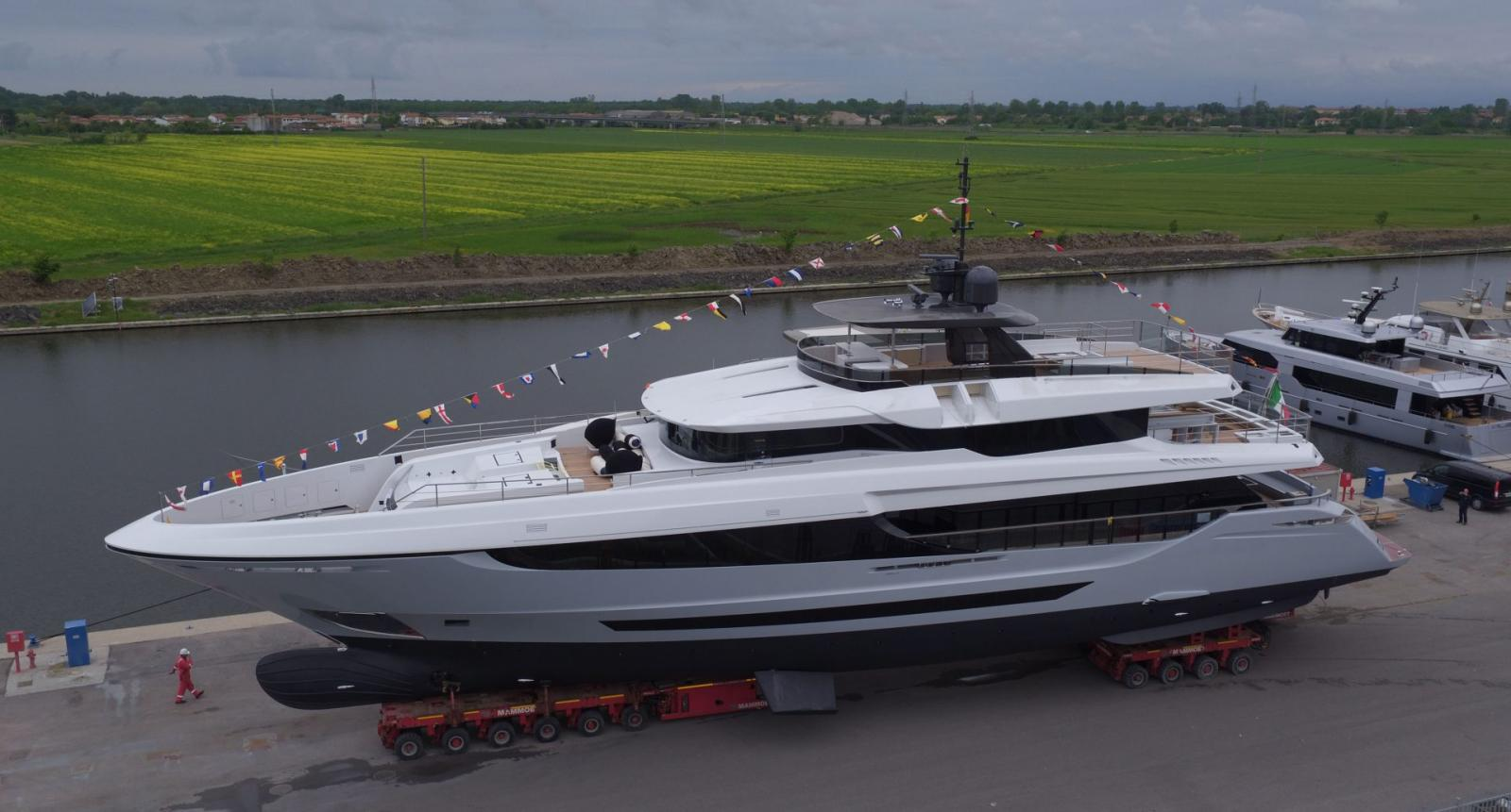 Launch of a New Mangusta Oceano 42